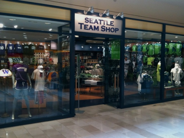 san francisco 4cacd 3dd70 Seattle Team Shop' Opens at Bellevue Square | Downtown ...
