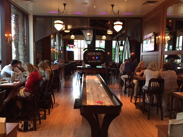 Tavern Hall Bellevue Square_3