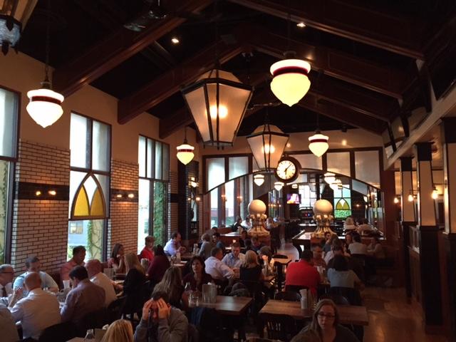 Tavern Hall Bellevue Square_4