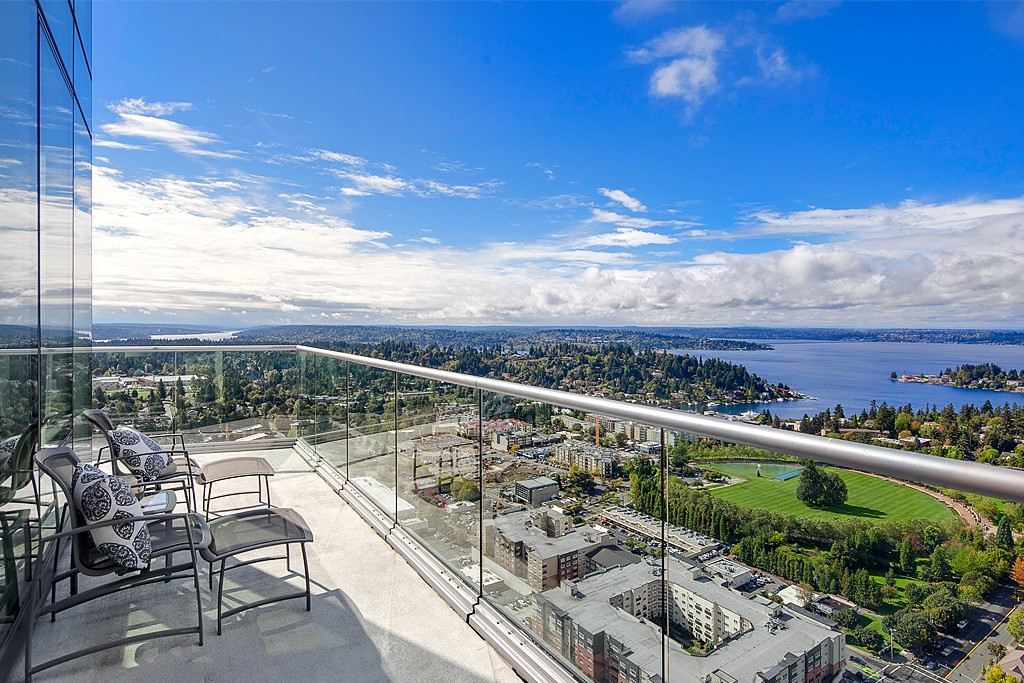 Bellevue Towers Penthouse Condo for Sale, $3.35M