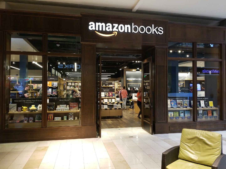 amazon bookstore opens in bellevue square
