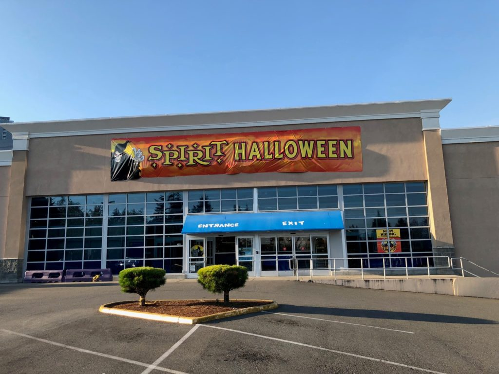 spirit halloween bellevue location at old toys r us location