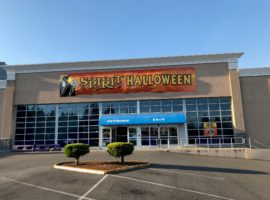 Spirit Halloween Replaces Toys-R-Us in Bellevue