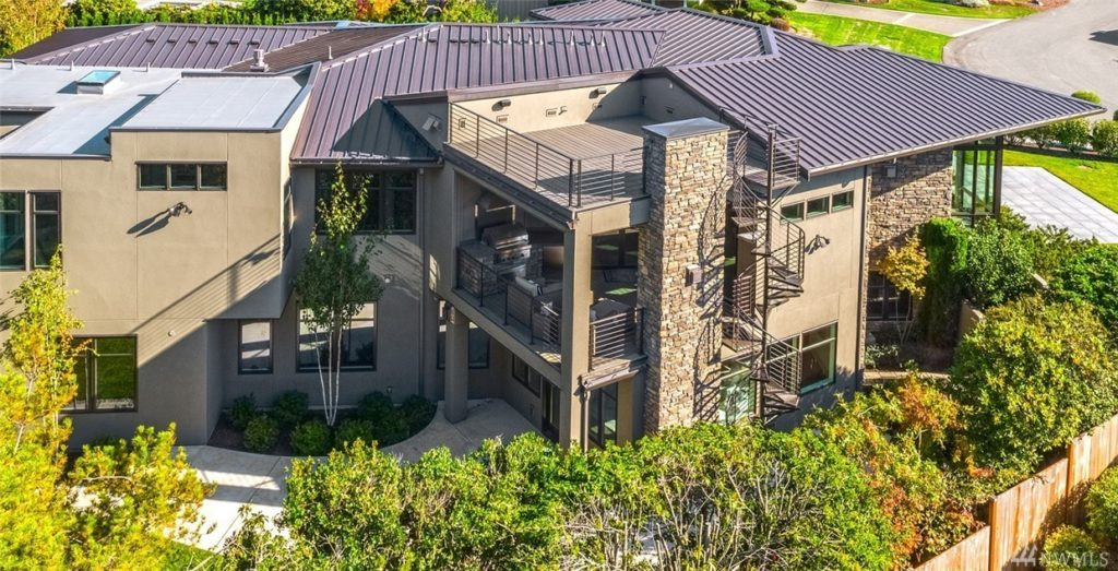 Home Of The Month Modern Clyde Hill Home Features