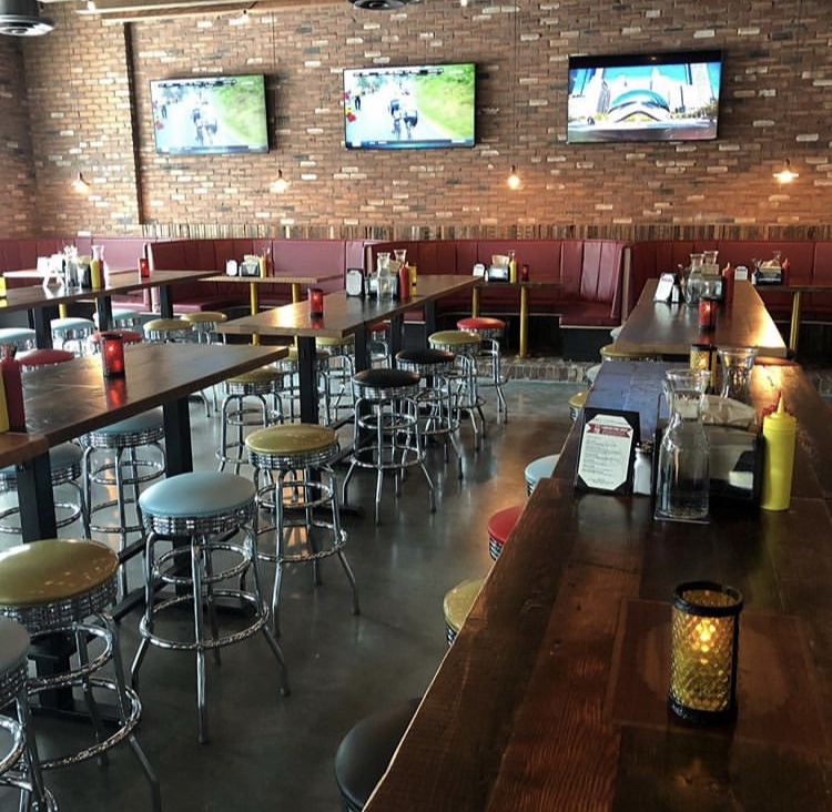 Terrific Sams Tavern Opens In Bellevue At Salesforce Tower Home Remodeling Inspirations Cosmcuboardxyz